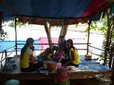 Traditionelles Mittagessen am See